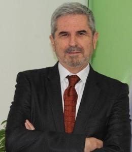 Antonio Gil Alonso llega a la presidencia del hospedaje madrileño tras una dilatada carrera profesional como director de hotel, siempre en Madrid, iniciada con 22 años y finalizada en 1997, fecha en la que asume la Secretaría General de la AEHM. Fue presidente de la Asociación Española de Profesionales del Turismo (AEPT)